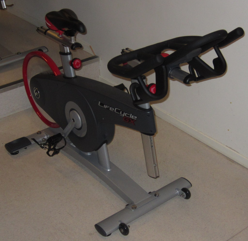Du ser nå på bilder fra: www.arnasykleklubb.org Spinning