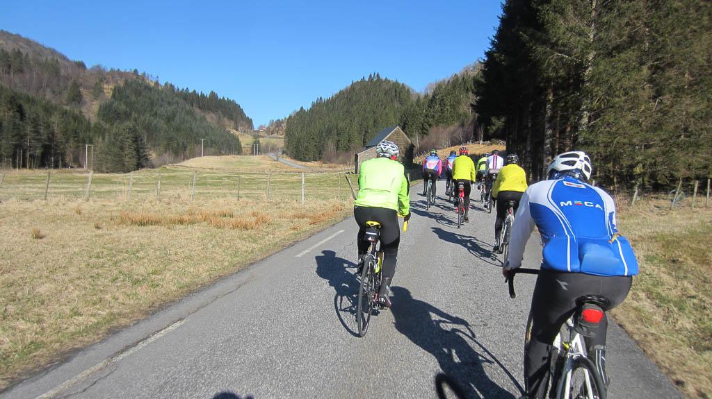 Du ser nå på bilder fra: www.arnasykleklubb.org Vårtur til Hamre