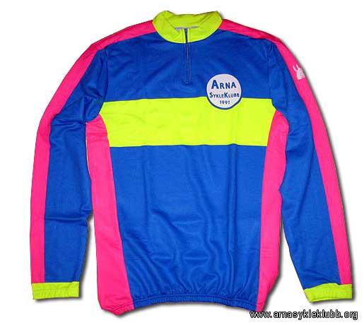 Du ser nå på bilder fra: www.arnasykleklubb.org Bekledning